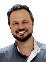 Идрис Максим Газиевич